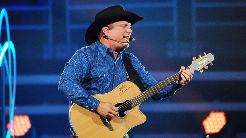 Garth Brooks Breaks Out The Hits For Intimate Nashville Show