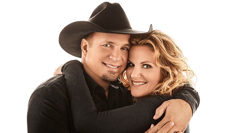 "CELEBRATE THE HOLIDAY SEASON WITH ""GARTH & TRISHA LIVE! A HOLIDAY CONCERT EVENT""  SUNDAY, DEC. 20 ON CBS"