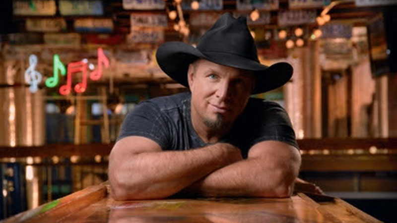 GARTH BROOKS AND SEAGRAM'S 7 CROWN WHISKEY  DECLARE THIS THE SUMMER OF DIVE BARS